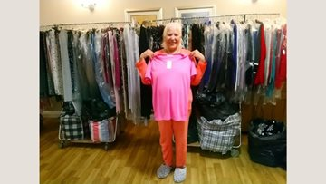 Aston House Residents visited by Gemini Fashions mobile shop