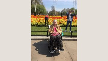 Watford care home Resident enjoys visit to London