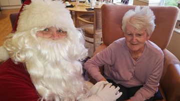 The Beeches Residents receive visit from special Christmas guest