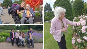 Hounslow Care Home Residents Visit Kew Gardens