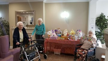 Residents prepare for Easter raffle at Park House