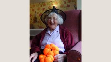 Honiton care home Residents get knitting for Halloween