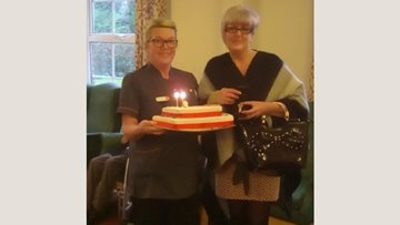 Senior Care Assistant celebrates 25 years at Lothian House