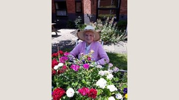 Burntwood care home Residents enjoy garden afternoon
