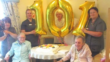 Centenarian celebrates 101st birthday at Glasgow care home