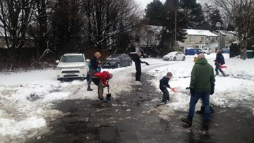 The Orchards receive the kindest help from snow heroes