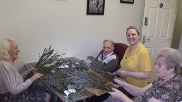 Skellingthorpe care home crafts take an autumnal twist