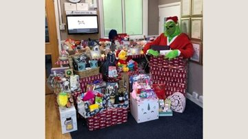Community pull together for Eckington care home Christmas raffle