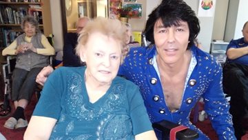 King of Rock n Roll visits Warrington care home