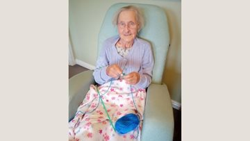 Good old knit and natter at Sheffield care home