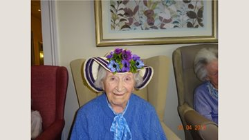 Egg-cellent time at Devon care home