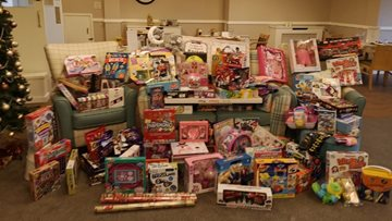 Guide Lane shows its support for Tameside Christmas Toy Appeal