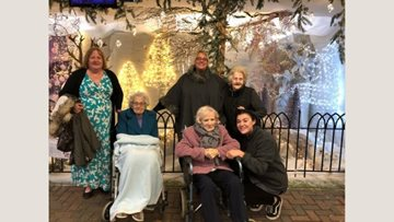 Braintree care home enjoy festive outing