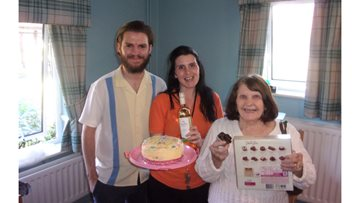 Glasgow care home celebrates Cupcake Day